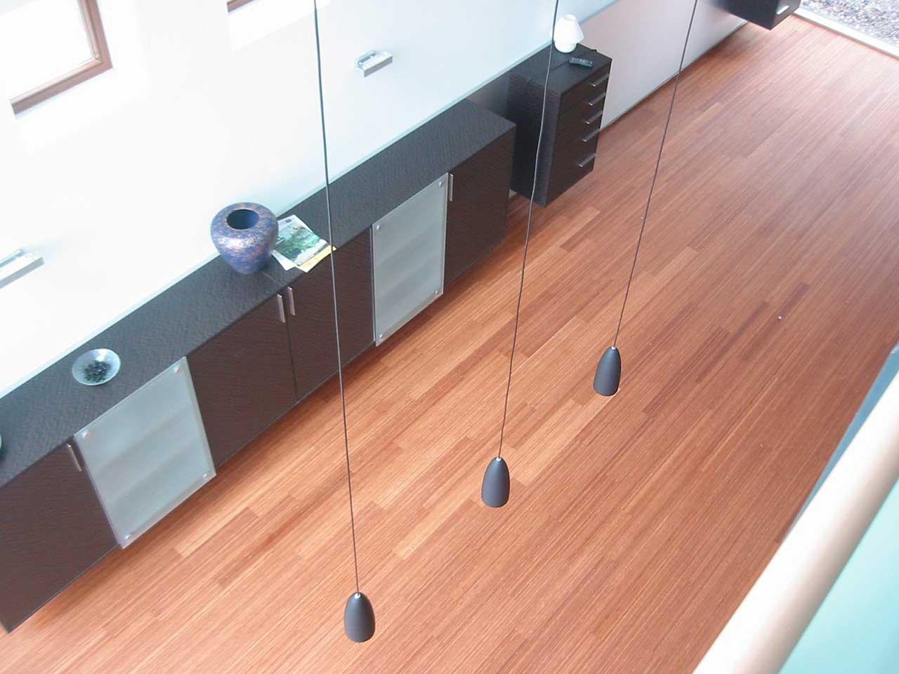 parkett putzen parkett pflegen und reinigen parkettpflege. Black Bedroom Furniture Sets. Home Design Ideas